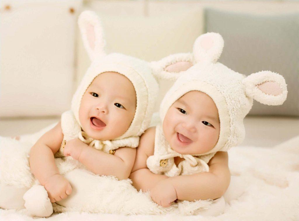 gravidez de gêmeos univitelinos